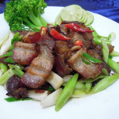 五花肉炒瘦肉