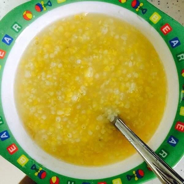 红枣枸杞玉米渣粥