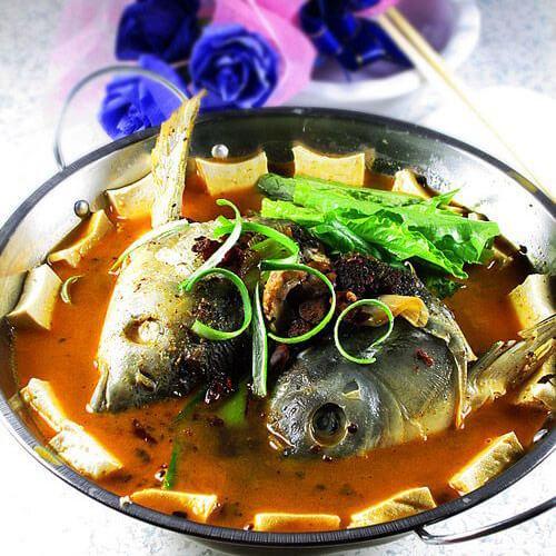 开胃菜香辣鱼头豆腐钵