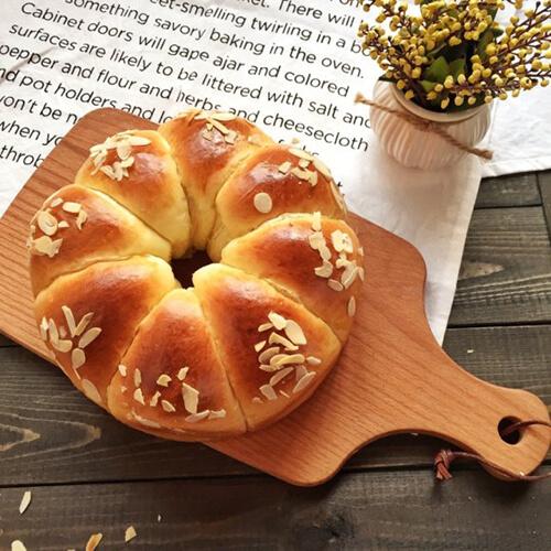 蛋黄花朵面包