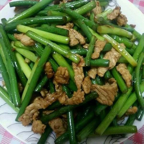 蒜苗炒豆腐丝