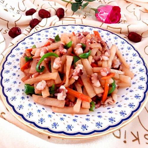 章鱼炒萝卜条