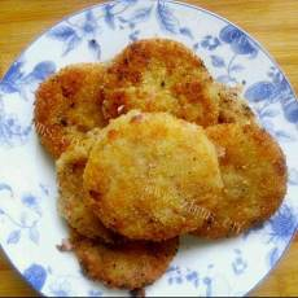 清新的日本鲜虾可乐饼