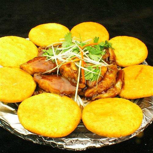 营养养生鱼锅玉米饼子
