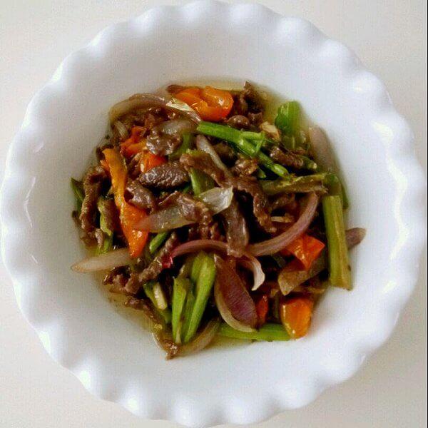 茴香球茎炒羊肉