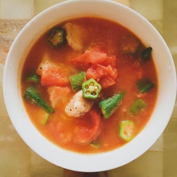 美味的西红柿鲶鱼汤