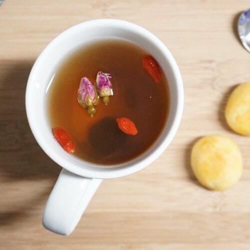 美味的洛神玫瑰枸杞茶