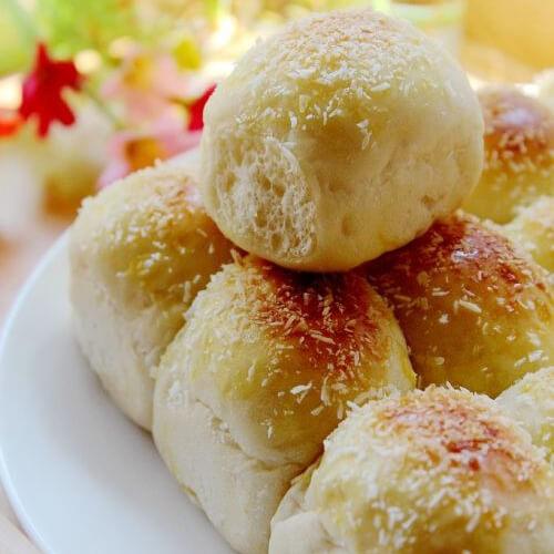 香香椰丝香软小面包