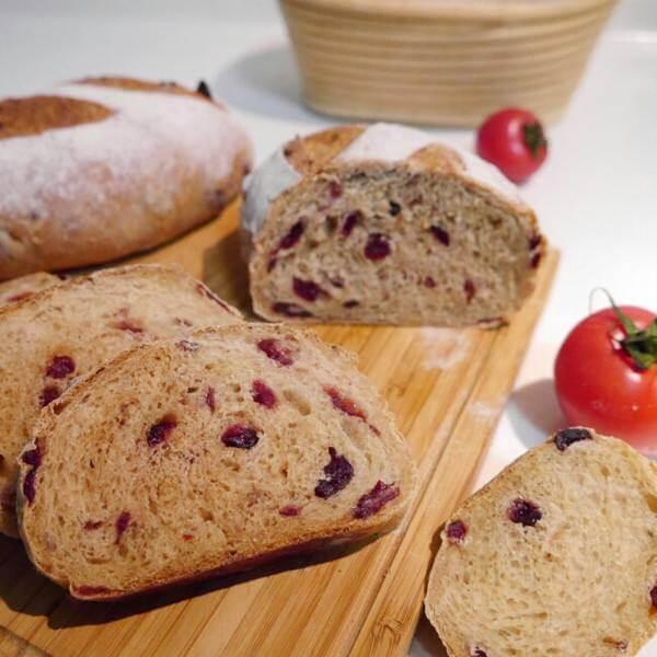 好吃的全麦蔓越莓面包