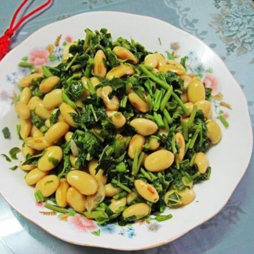 美味的豌豆香椿豆