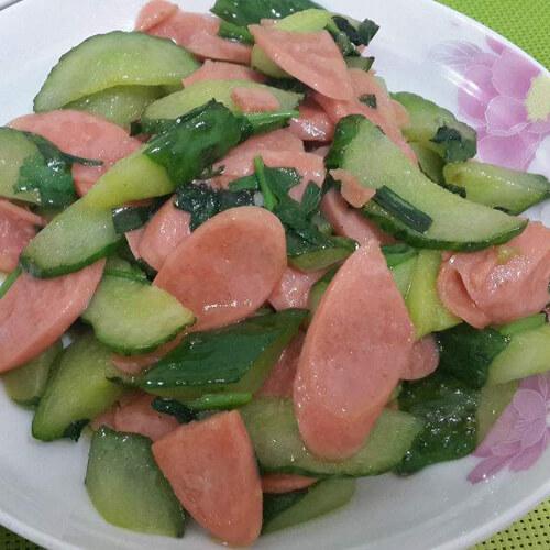 好吃的青瓜炒午餐肉