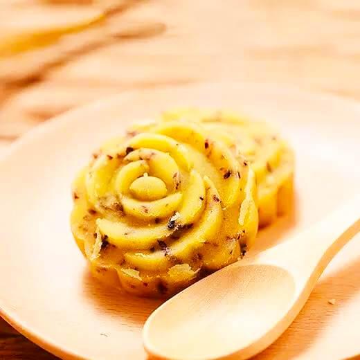 玫瑰酱芯绿豆糕