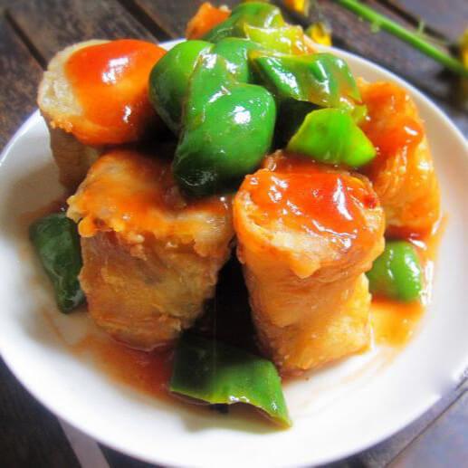美味的豆腐香菇酿青椒
