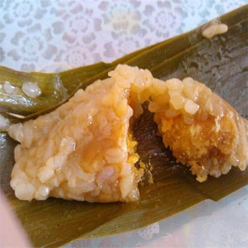 美味咸蛋黄鲜肉粽子