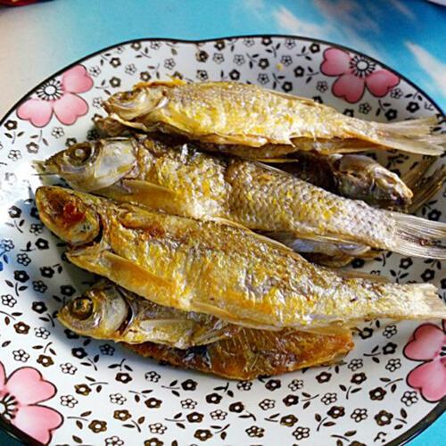 酱油煎小鱼