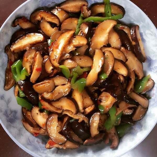辣椒炒香菇