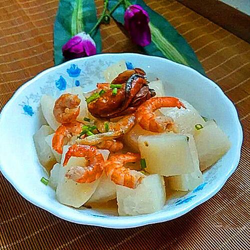 蚝豉虾米焖萝卜