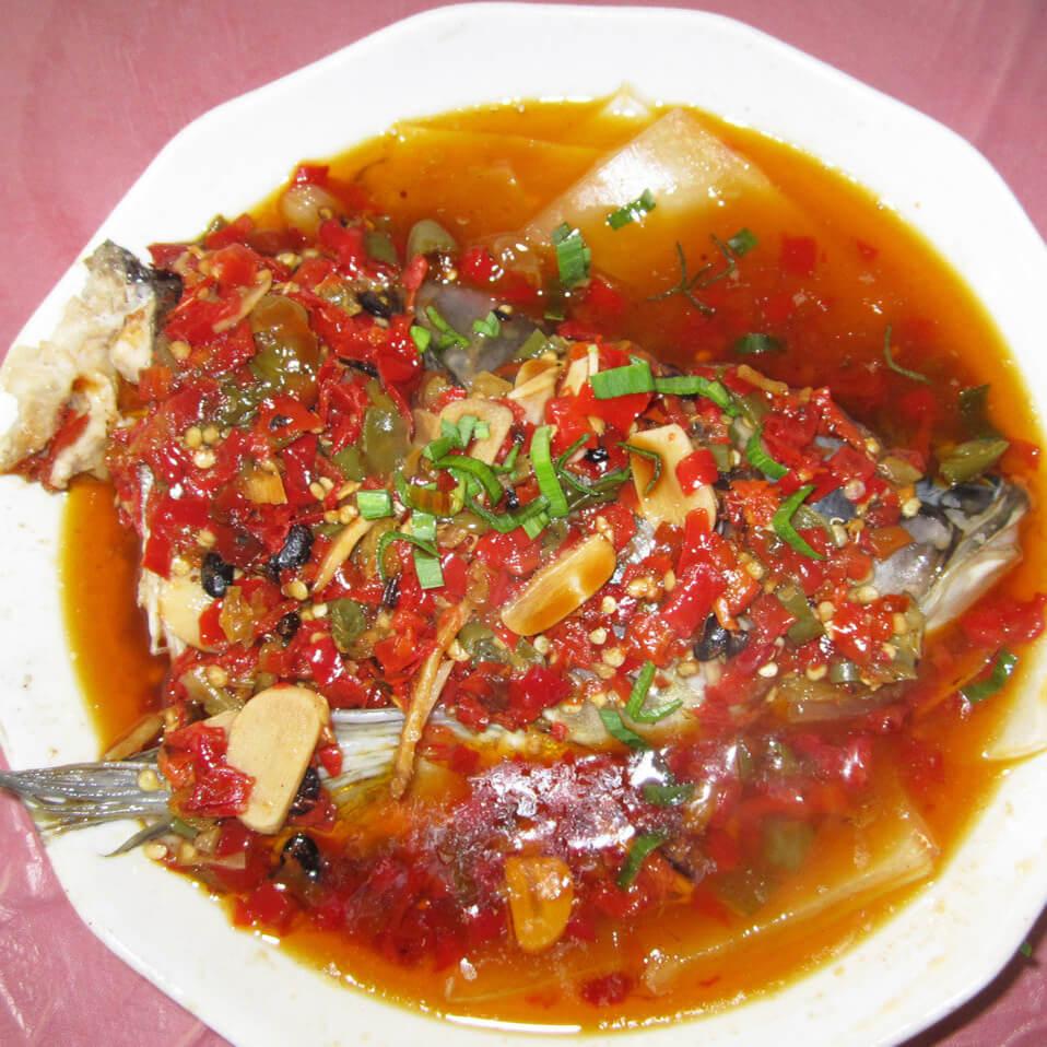 美食辣椒煮蒸鱼