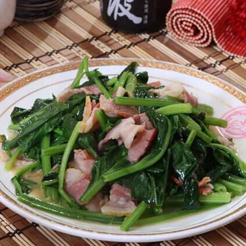红蘑肉末炒菠菜