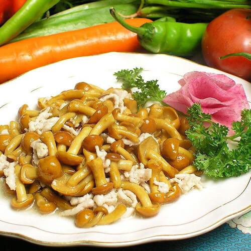 可口的蘑菇肉