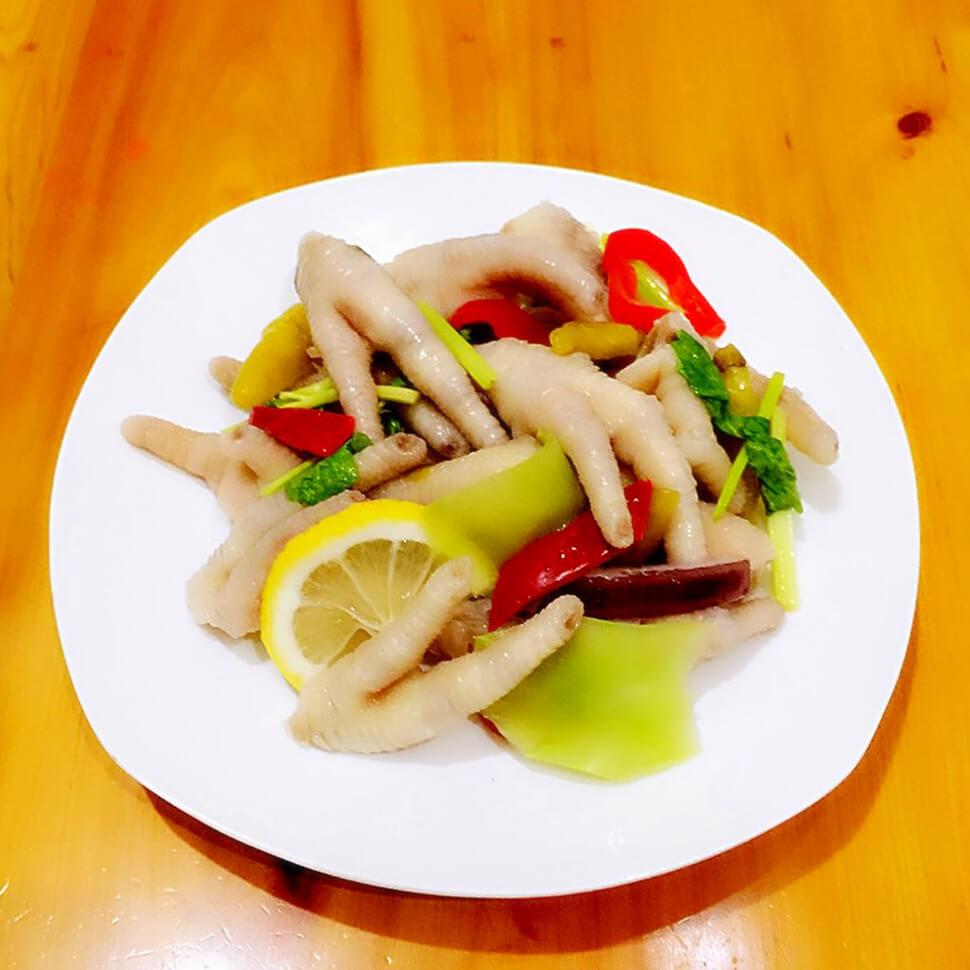 新鲜美味的蔬菜柠檬泡爪