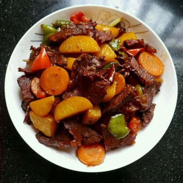 杏鲍菇土豆烧肋排