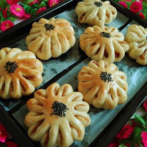 椰香红豆菊花包