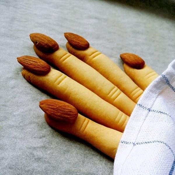 回味无穷的女巫手指饼干