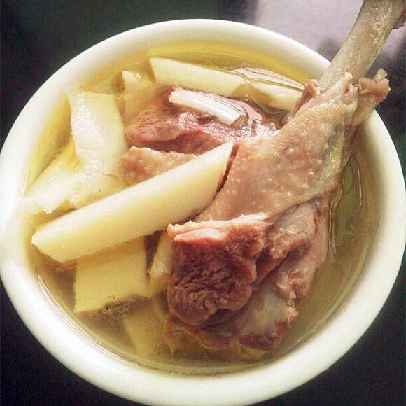 鸭肉竹笋汤