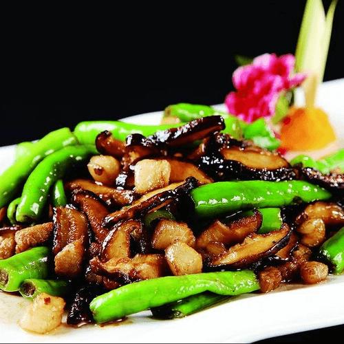 杭椒炒香菇