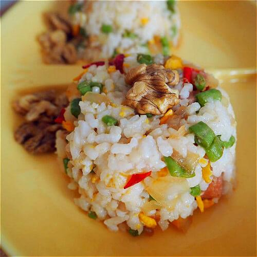 青椒香肠炒饭