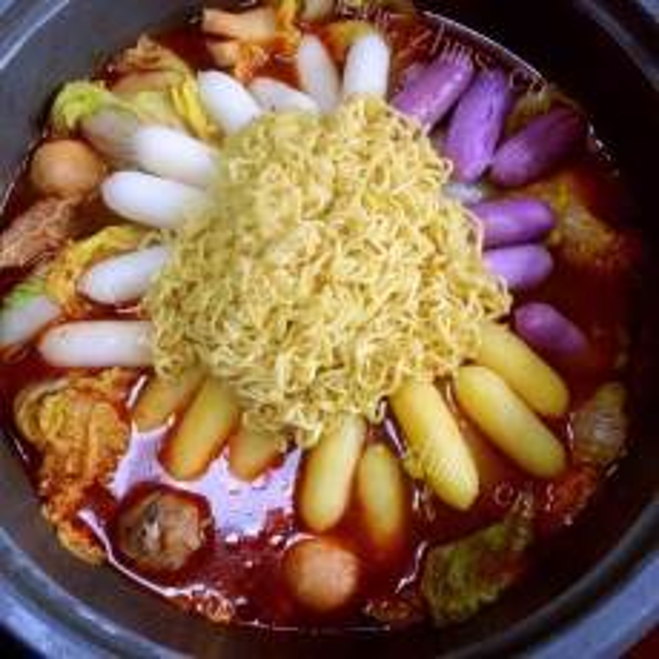 好吃的韩国年糕火锅