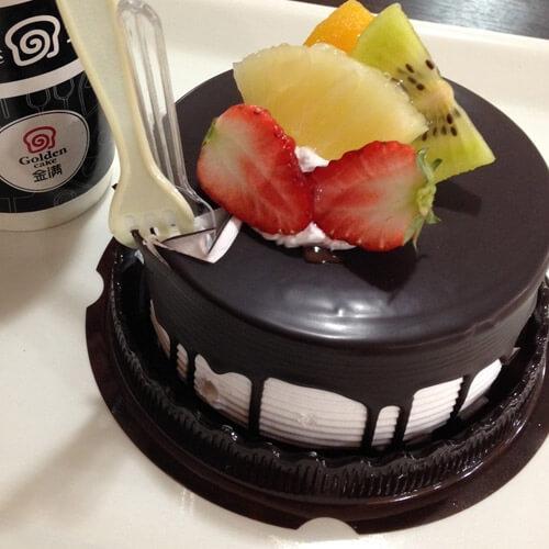 自制8寸奶油水果裸蛋糕