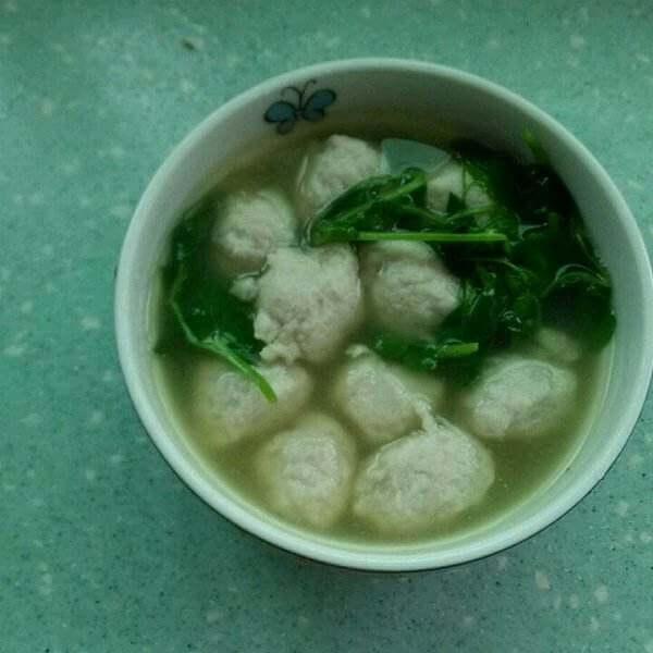 美味的韩国泡菜鱼丸汤
