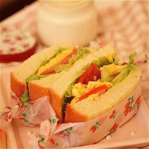美味的黄油土司三明治