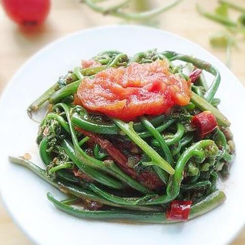 水蕨菜炒乳腐