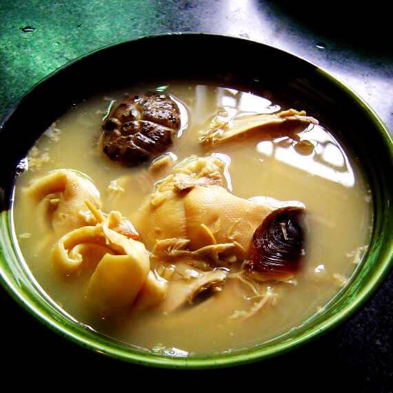 香菇花胶鸡汤