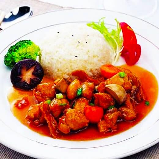 美味的辣子鸡炒饭