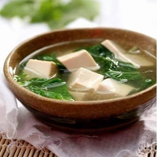 美味的菜苔豆腐汤