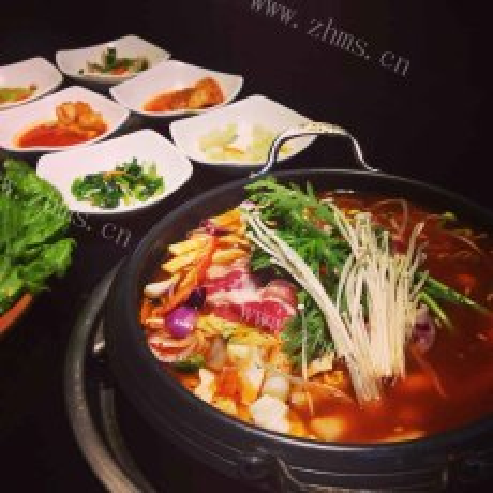 暖暖的韩式年糕火锅