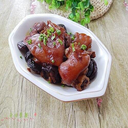 红枣香菇焖猪蹄