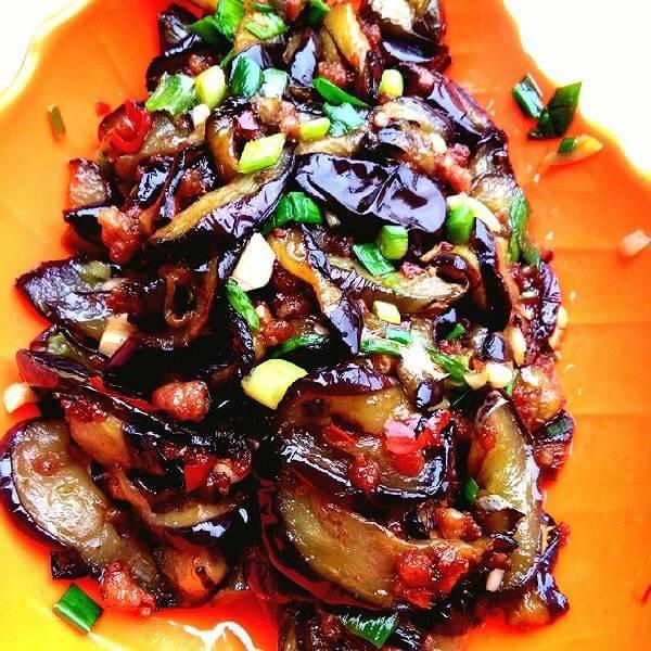 可口酱汁蘸傣族茄子