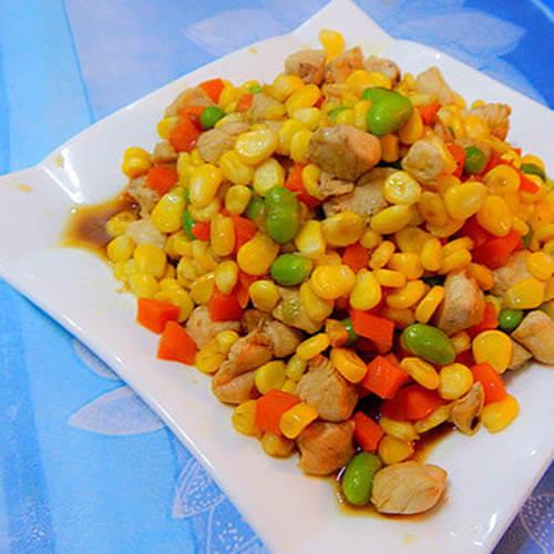 醇香美味的胡萝卜玉米粒炒鸡肉