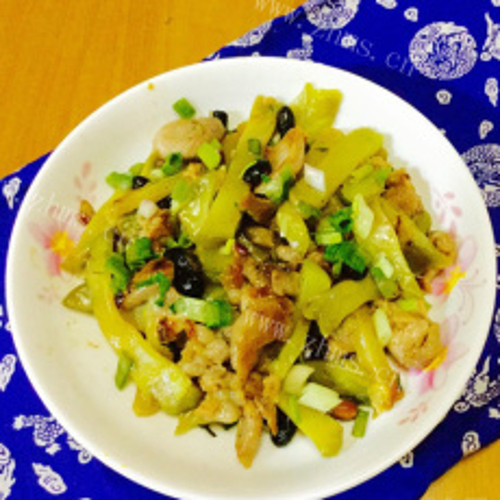 榨菜瘦肉炒肠粉