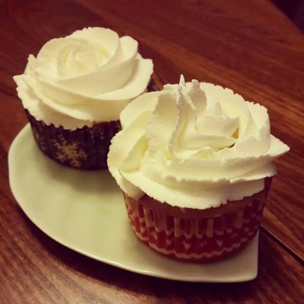 美味的绵柔杯子蛋糕