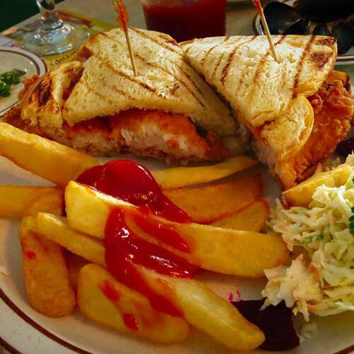 烤鱼肉三明治