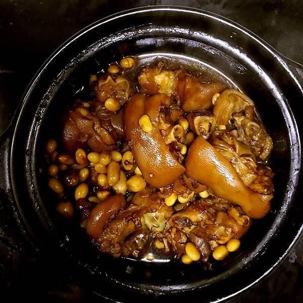 黄豆焖猪碲