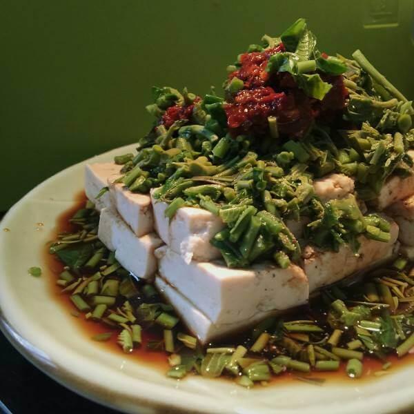 腌香椿拌豆腐