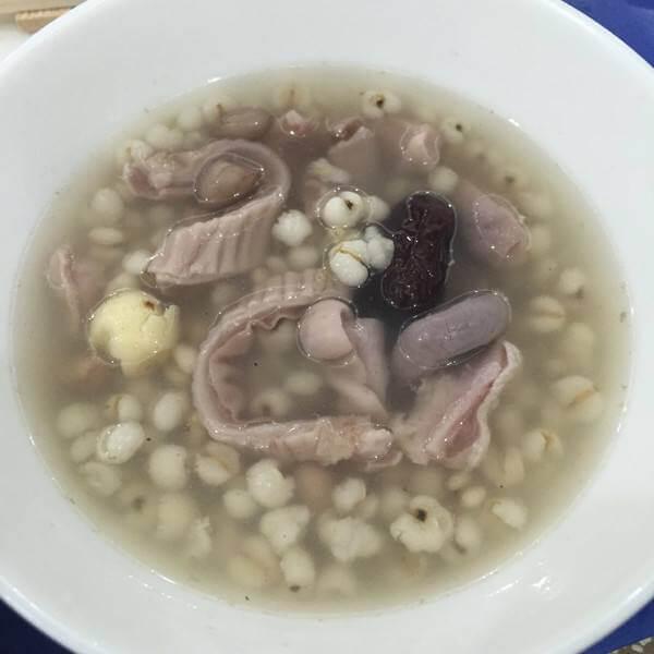 黑豆炖猪小肚