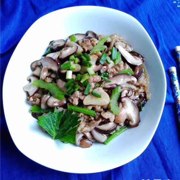 葱花香菇炒肉